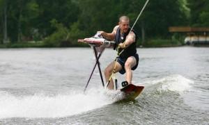 Extreme-Ironing-Wakeboard