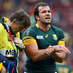 Bismarck-du-Plessis-injured-151017G300
